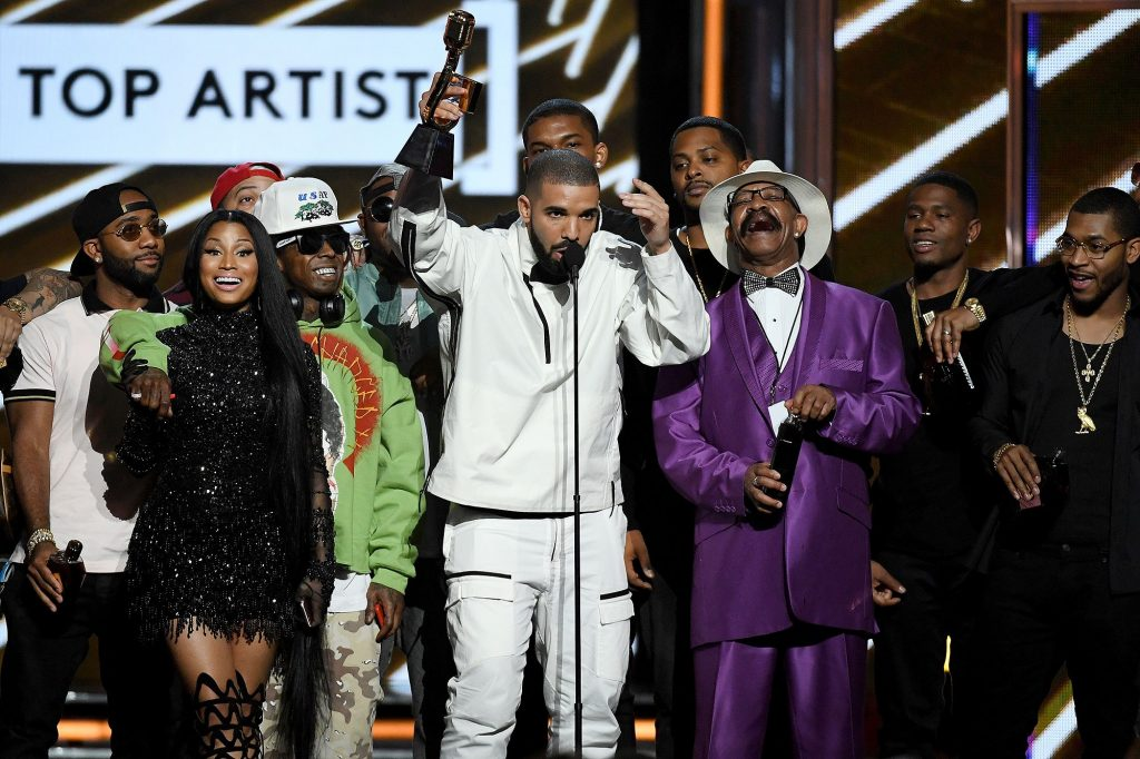 Drake zdominował Billboard Music Awards 2017!