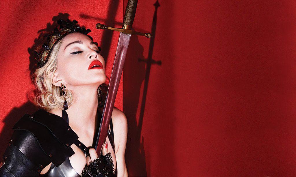 """""""Wracam skarbie"""" – Madonna zapowiada swój muzyczny powrót!"""