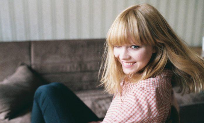 """Lucy Rose prezentuje poruszający klip do utworu ,,Strangest Of Ways"""""""