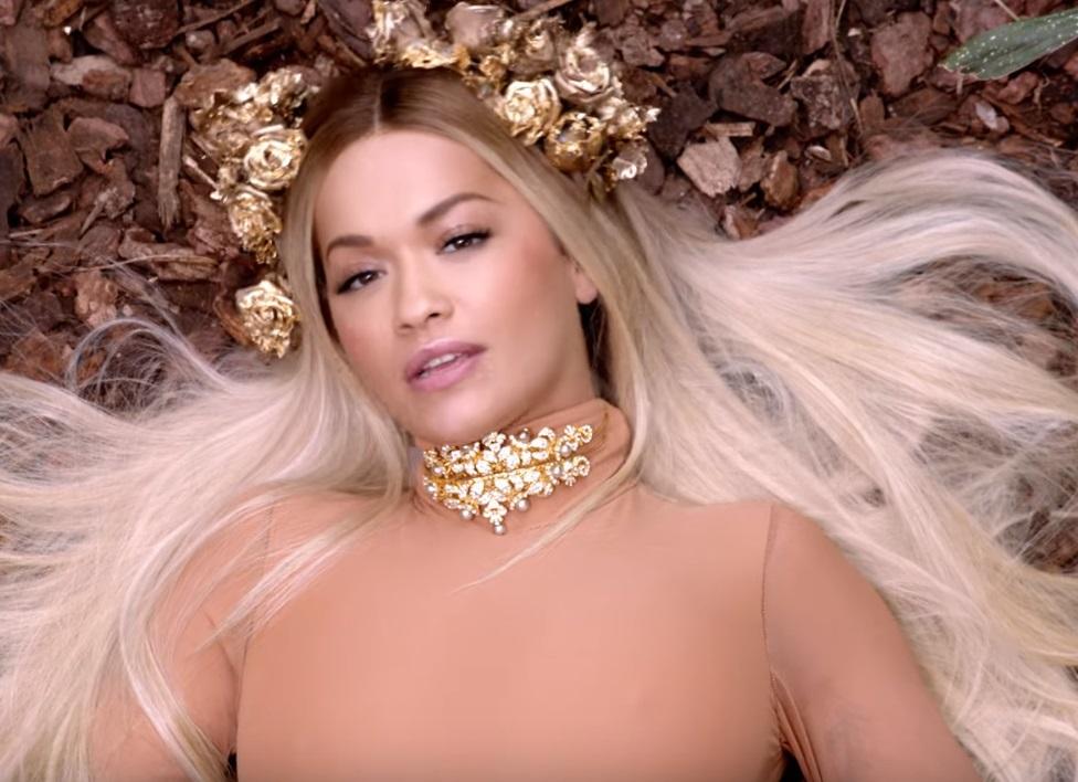 """""""Girls"""" – nowy teledysk od Rity Ory już dostępny! Gościnnie Charli XCX, Cardi B & Bebe Rexha!"""