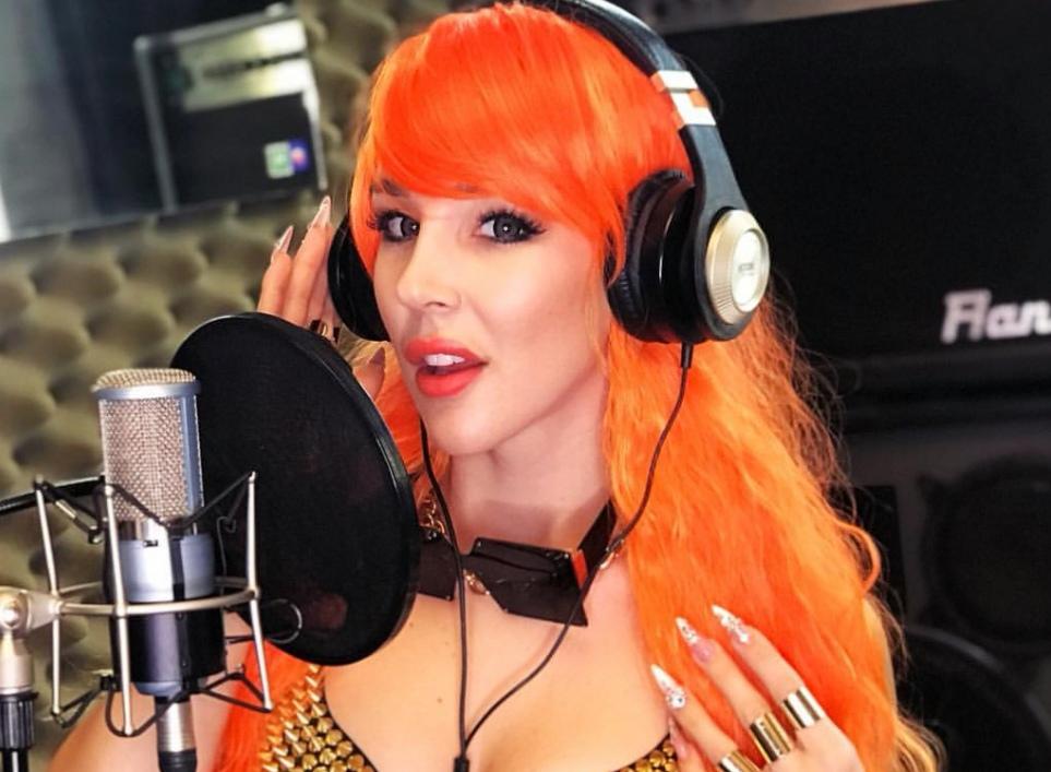 SexMasterka pracuje nad ALBUMEM!