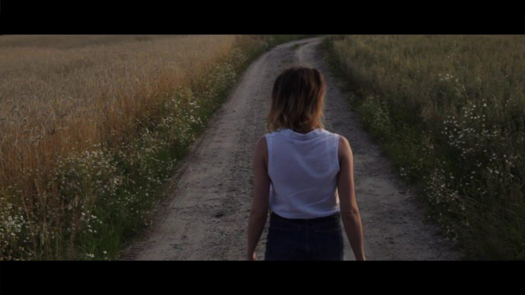 Premiera: OBRASQi – Znajdę (a-ha cover Hunting High and Low)