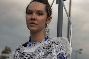 """""""Trzydzieści"""" – nowy singiel Karoliny Czarneckiej"""