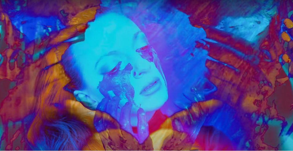 """,,Nienaiwne"""" – Sarsa prezentuje klip do czwartego singla z albumu ,,Zakryj"""""""