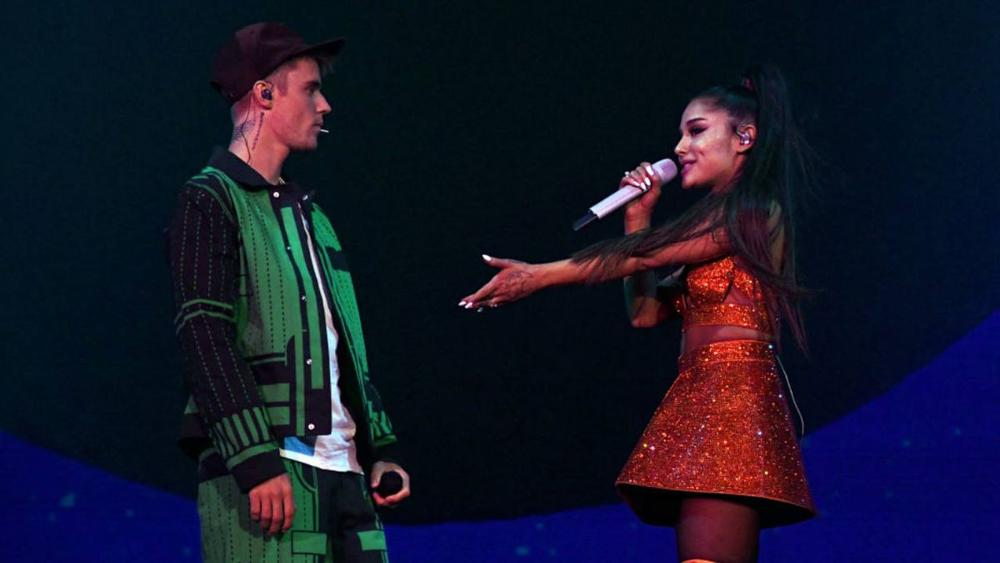 Ariana Grande i Justin Bieber z uroczym klipem do ,,Stuck With U""