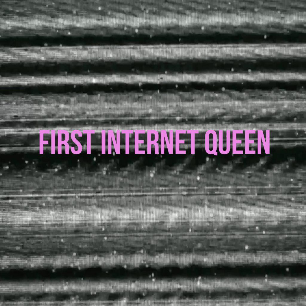 Saszan FIRST INTERNET QUEEN